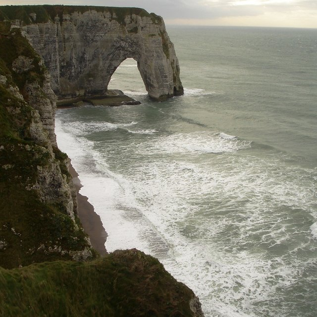 Etretat Spot Guide Surf Forecast And Report Magicseaweed Com