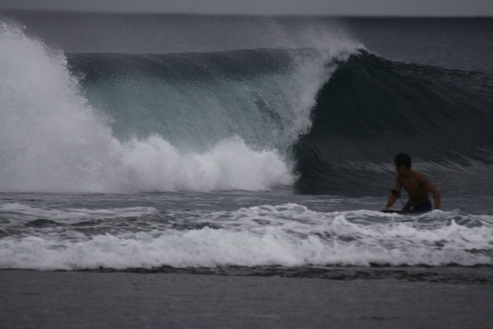 wave sniffer's photo of Uluwatu