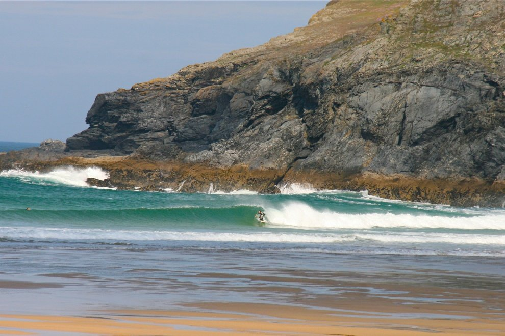 Angus Dugs's photo of Holywell Bay