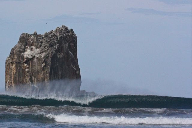Scallywag's photo of Witches Rock (Playa Naranjo)