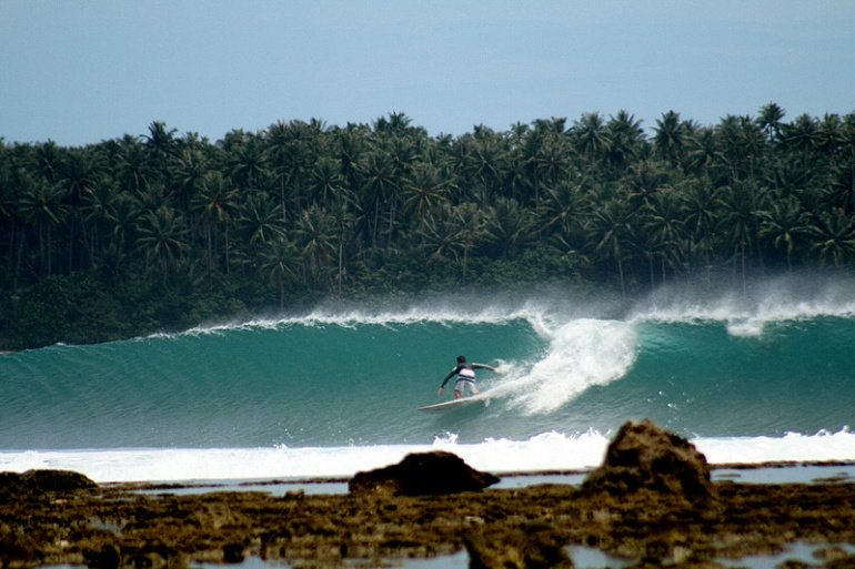 declan hearne's photo of Lagundri Bay - The Point