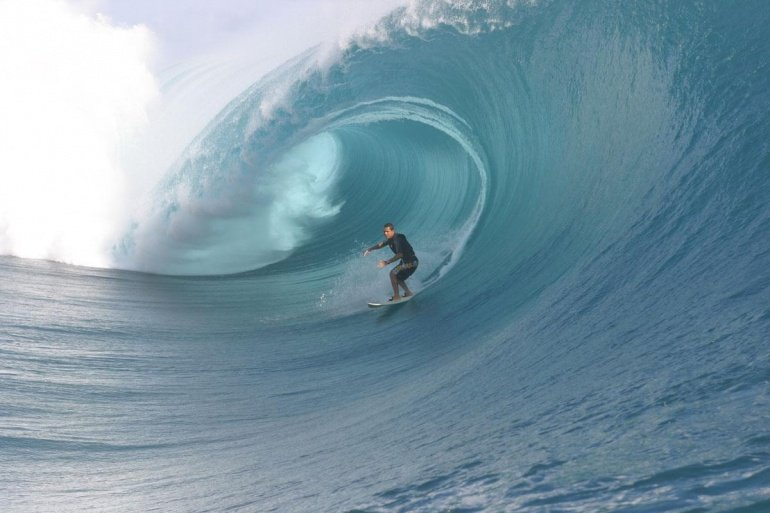Nomad 's photo of Teahupoo